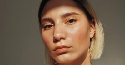 Cómo crear una base de maquillaje perfecta: tutorial paso a paso